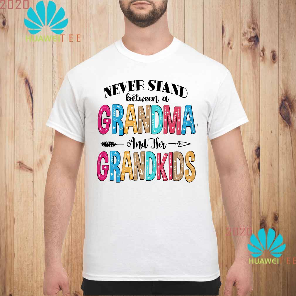 Never stand between a grandma and her grandkids Men shirt